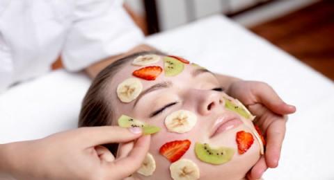 4 وصفات من الخضراوات والفواكه لجمال بشرتك وشعرك