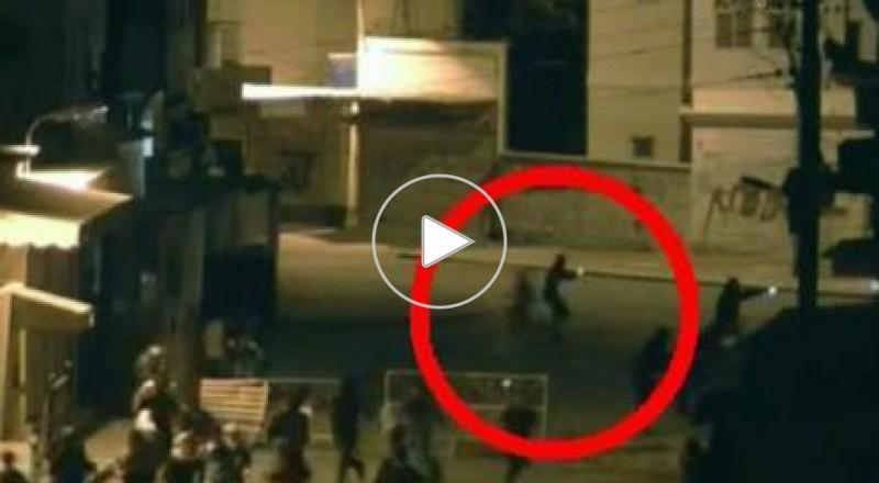 متظاهرون في البحرين بأسلحة إيرانية