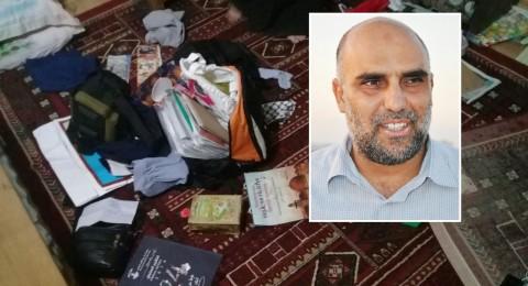الشرطة تقتحم بيت الشيخ فراس عمري بصندلة، تفتشه وتعتقل الشيخ