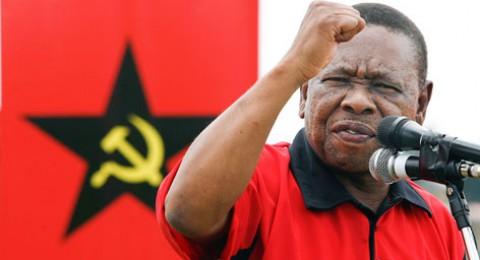 إسرائيل تمنع أمين عام الحزب الشيوعي في جنوب أفريقيا من دخول البلاد