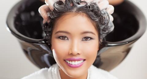 3 أقنعة لحماية شعرك من الجفاف
