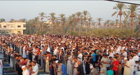 هنية في صلاة العيد: سيرفع الحصار عن غزة دون أي تنازلات أو قبول بصفقة القرن