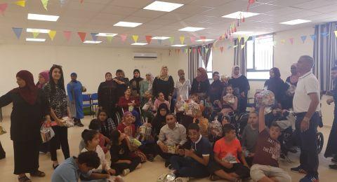 موظفو بنك هبوعليم فرع رهط يشاركون باحتفالية في مدرسة الامل بمناسبة عيد الاضحى المبارك