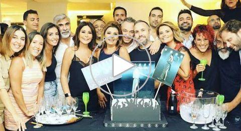 إليسا تحتفل مع اصدقائها بشفائها من السرطان ونجاح ألبومها