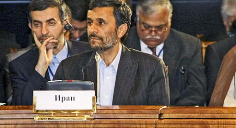موقع إيراني: الأجواء مهيأة لاعتقال محمود أحمدي نجاد