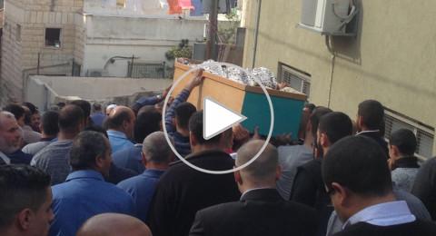 الالاف يشيّعون جثمان الزميل عبد الحكيم مفيد
