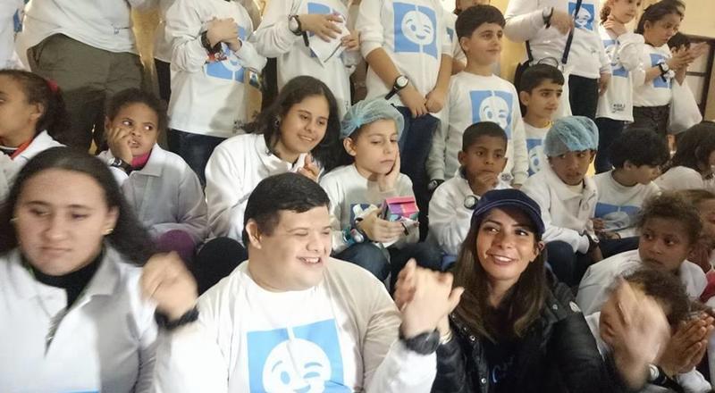منى زكي تغنّي لأول مرة من أجل أطفال اصحاب اعاقات