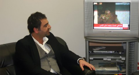 بالصور.. خطاب القذافي يخطف سامر المصري من