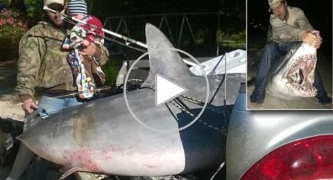 أمريكي يصطاد أكبر سمكة قرش في العالم