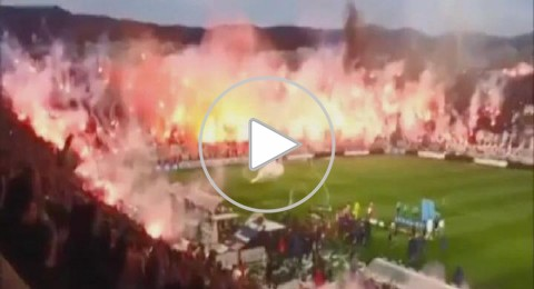 جمهور كرة قدم يحول ملعبا في اليونان الى كتلة من النار
