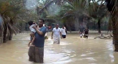 إعصار مكونو يجتاح سواحل عُمان بعدما عاث بسقطرى