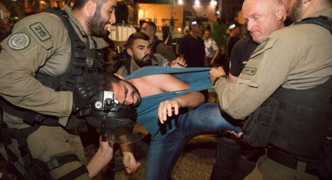 الحزب الشيوعي والجبهة في حيفا: شرطة حيفا تتصرّف كشرطة أبارتهايد