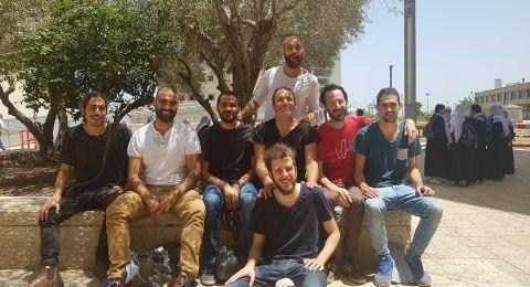 المحكمة وجهت انتقادًا لاذعًا للشرطة واطلاق سراح جميع المعتقلين