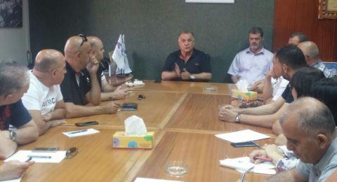 رئيس بلدية الناصرة يجتمع مع مدراء الدوائر بخصوص الانتقال للمبنى الجديد لدار البلدية