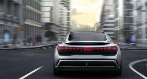 أودي تهدف لبيع 800 ألف سيارة كهربائية بحلول 2025