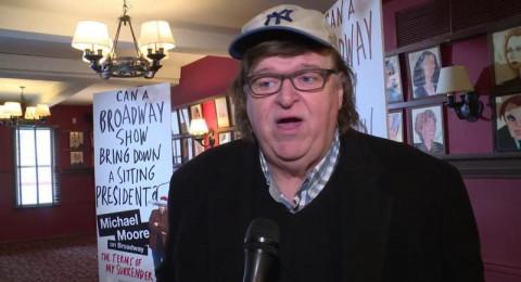 المخرج مايكل مور يدعو الى الإحتجاج: ترامب سيقتلنا جميعاً!