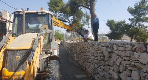 بلدية القدس تعتدي على مقبرة