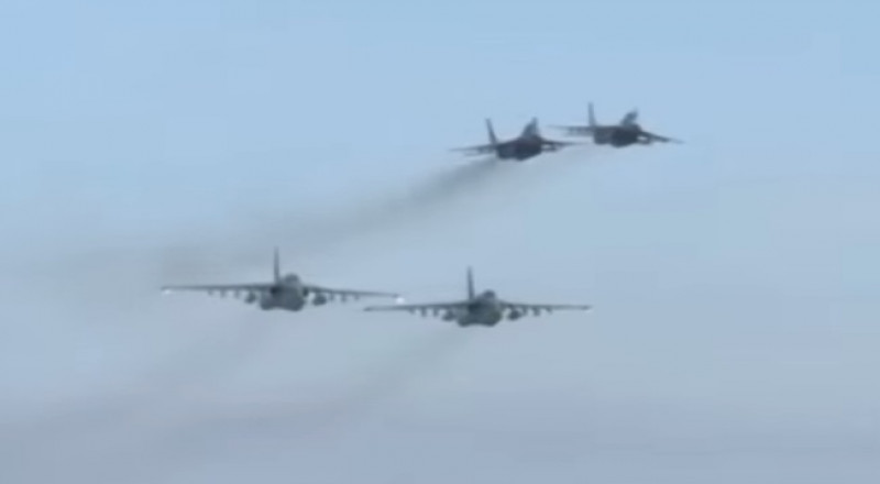 السلاح الجوي الروسي والسوري يدمران عربات لداعش في دير الزور