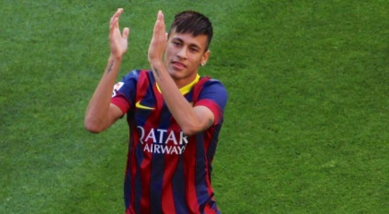 نيمار يخرج عن صمته وينتقد إدارة برشلونة
