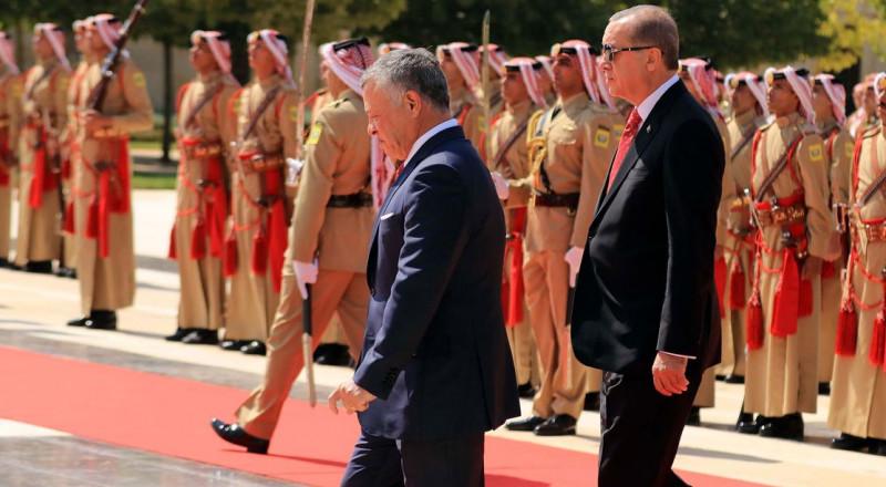 بالصور: ملك الاردن يستقبل أردوغان بمراسم رسمية