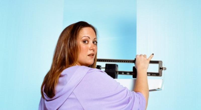 قياس الوزن يوميا يساعد على إنقاصه