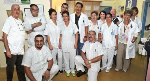 الدمج بين الانسانية والمهنية في قسم الشيخوخة بمستشفى نهريا