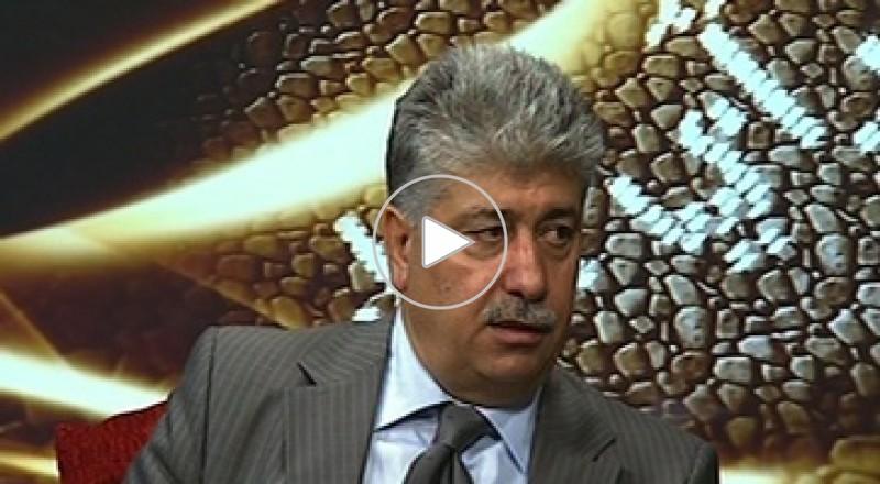 وزير العمل الفلسطيني يتلفظ بكلمات بذيئة على أثير 5 إذاعات محلية في الضفة