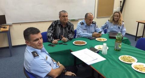 الشرطة: حكروش ومجين يلتقيان مع مشلب وتوما في ابو سنان وكفر ياسيف