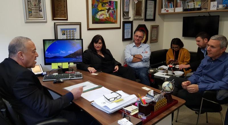 النائب أكرم حسون يجتمع بإدارة شركة ميكوروت ويقول: