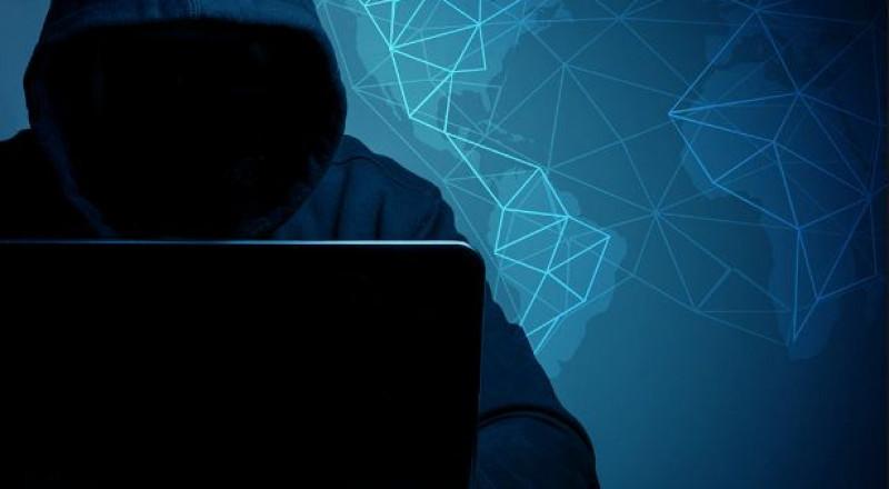 ابتزاز جنسي لنساء وأمور خطيرة عبر الانترنت.. القبض على شاب من جنين