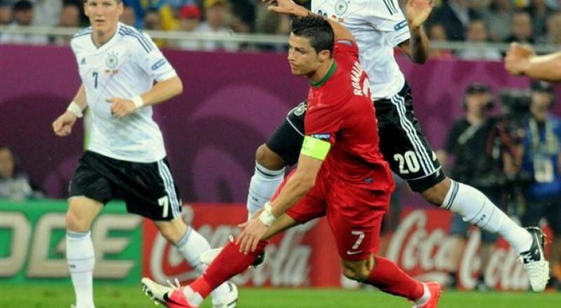 رونالدو يريد العودة لكرة القدم من باب آخر .. ما هو؟