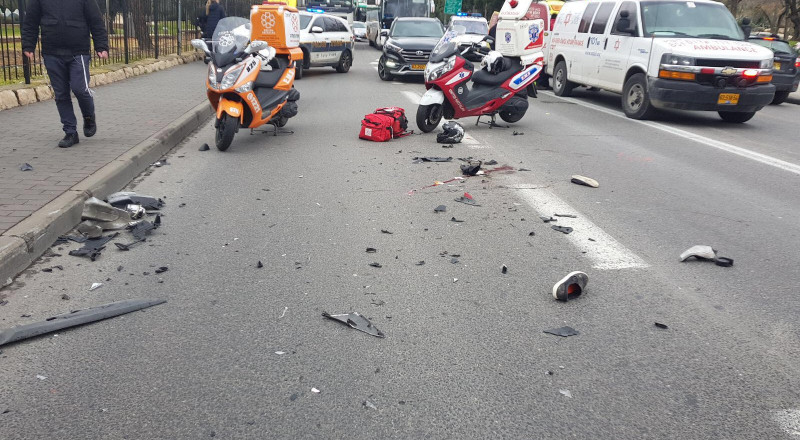 حوادث الطرق تستمر بسبب الأمطار .. حادثان في القدس وإصابات خطيرة
