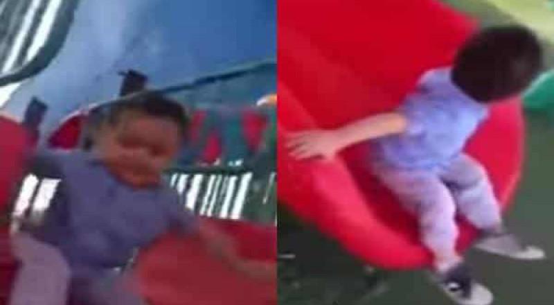 شاهد ردة فعل طفل يلهو عند سماعه الأذان