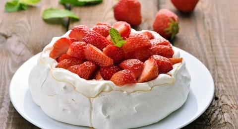 تحلاية اليوم: فطيرة الفراولة بالكريمة