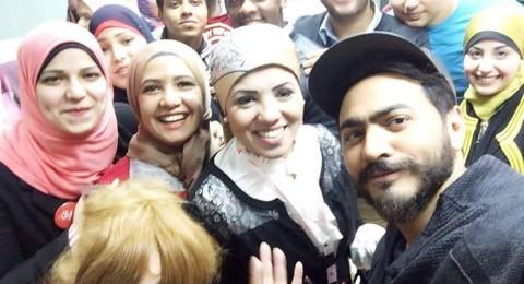 تامر حسني يتبرع بدمه