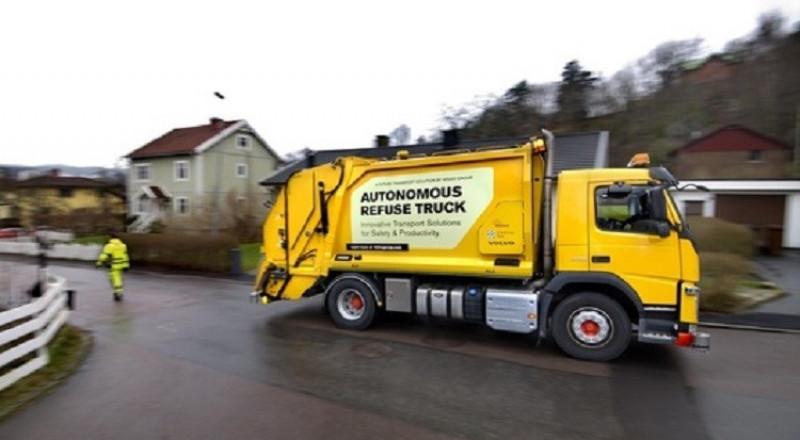 فولفو تختبر عربة ذاتية القيادة لجمع النفايات
