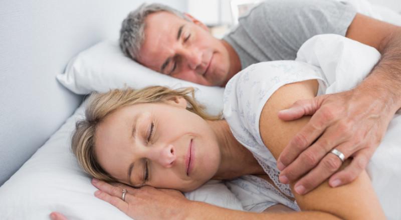 المرأة تحتاج لساعات نوم أطول من الرجل