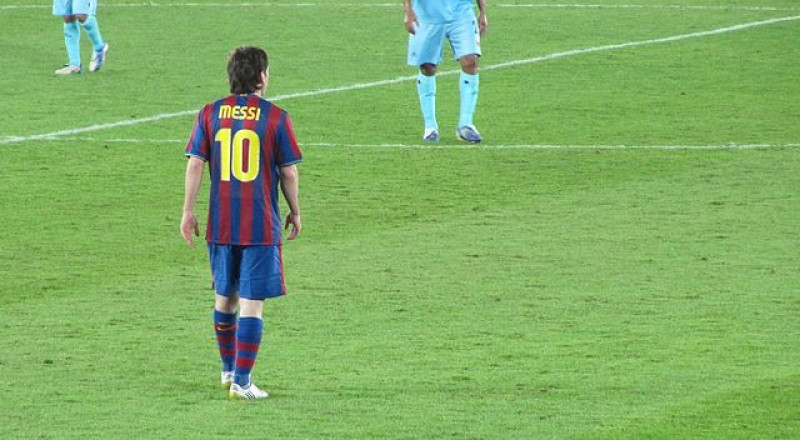 برشلونة يستغل ميسي لحسم صفقة دي ماريا
