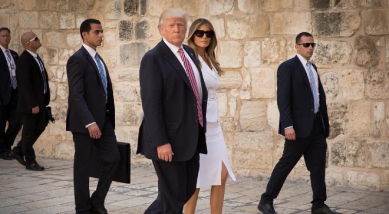 ترامب يرتدي