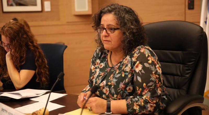 بمبادرة النائب عودة: لجنة مكانة المرأة في الكنيست تناقش التمييز في قبول النساء المحجبات للعمل