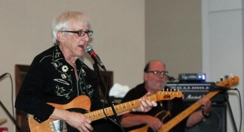 عازف الجيتار الأميركي 'كيرشن' يحيي حفلا موسيقيا في رام الله