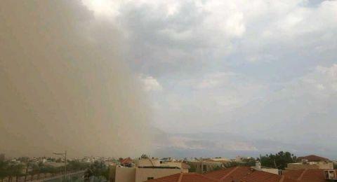 عاصفة رملية تجتاح ايلات والشرطة تحذر من الوصول إلى هناك