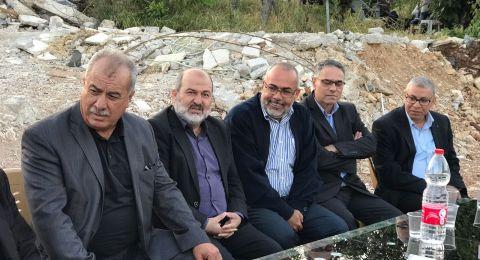المتابعة تزور أبو غوش وتتضامن مع عائلتي البيتين المهدومين