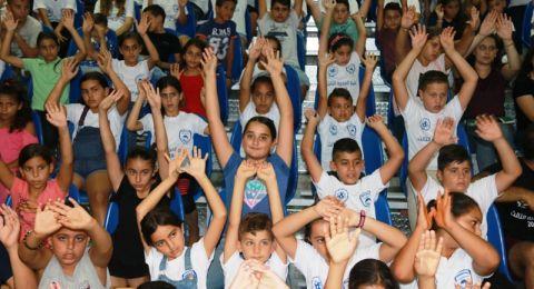 مشاركة المئات من أطفال سخنين بفعاليات مخيم المحبة في بركة سخنين ومسرح السلام