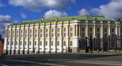 موسكو تجري مشاورات مع شركائها لرفع العقوبات عن سوريا