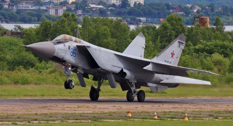 الدفاع الجوي الروسي يسقط طائرتين بلا طيار اقتربتا من قاعدة حميميم في سوريا