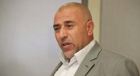 أبو عرار يطالب بمناقشة قانون لم الشمل