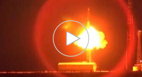 بالفيديو ..روسيا تطلق 4 صواريخ نووية