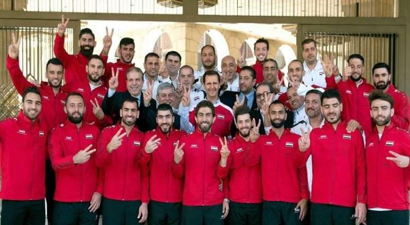الرئيس الاسد يستقبل أعضاء المنتخب السوري