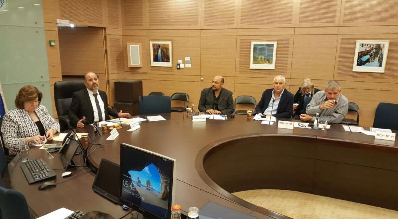 غنايم وزعبي في جلسة لجنة التربية في الكنيست: يجب تحسين ظروف عمل المستشارات التربويات.